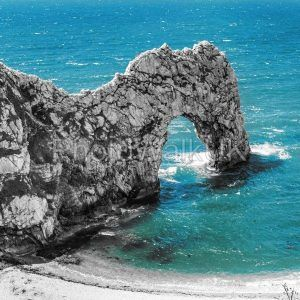 Durdle Door rock arch. Lulworth on the Dorset Coast Southern England. - Photo Walk UK