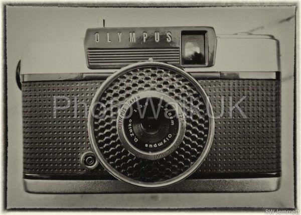 Olympus Pen EE Vintage Camera - Photo Walk UK