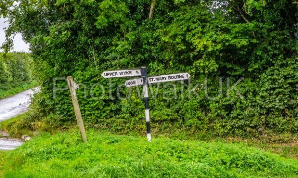 Sign post pointing to St Mary Bourne and Andover - Photo Walk UK